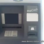 Manipulierter Geldautomat mit Skimming-Aufsatz